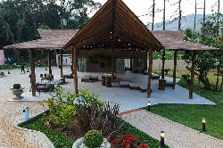 Quinta dos Pinheiros - Foto 1