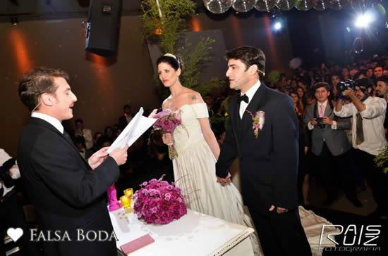 Cerimônia de casamento falsa