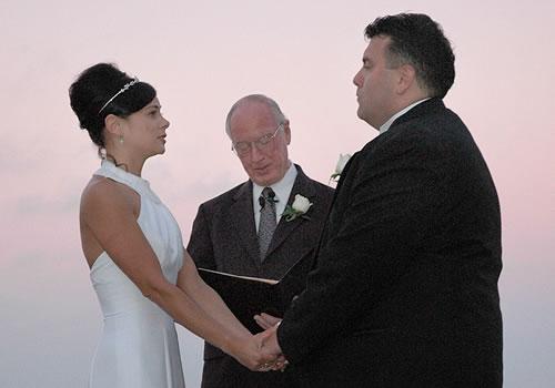 Diferença entre Celebrante de Casamento, Mestre de Cerimônia, Apresentador, Animador e Cerimonialista