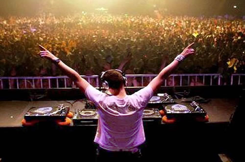 DJ - Música Mecânica