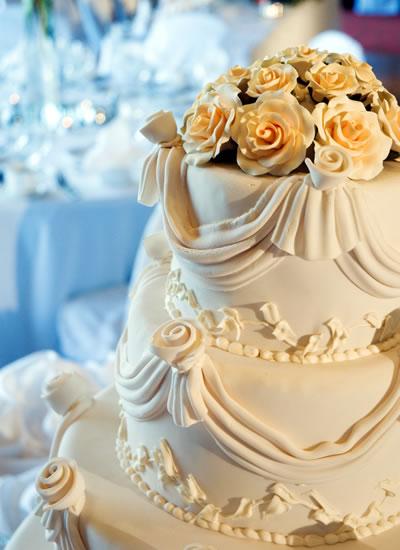 Bolo de Casamento Moderno. Foto: Saint Morit's