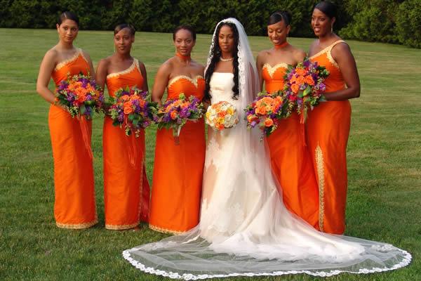 o vestido da madrinha no guia de casamento