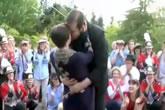 Parentes dançam para pedido de casamento | Foto: reprodução