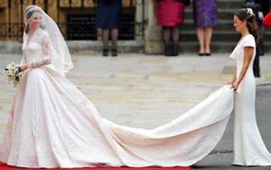 Irmão de Kate Middleton ajuda com a cauda do vestido de noiva
